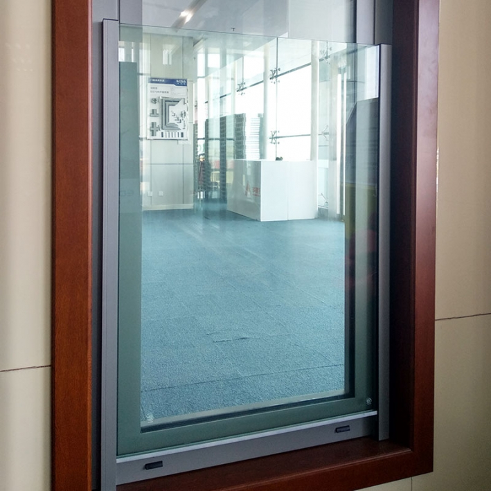 ES61 inside door with glass railing